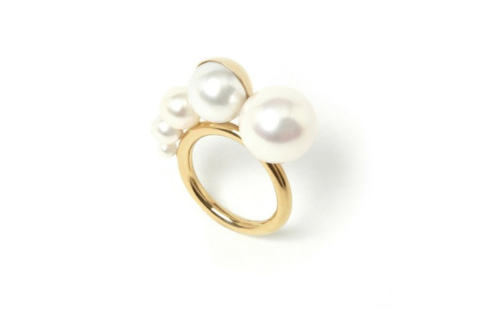 M/G TASAKI MELANIE GEORGACOPOULOS - Shell 5x ascending white pearls yellow gold